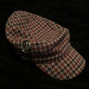 Roxy 3 button houndstooth brown newsboy hat